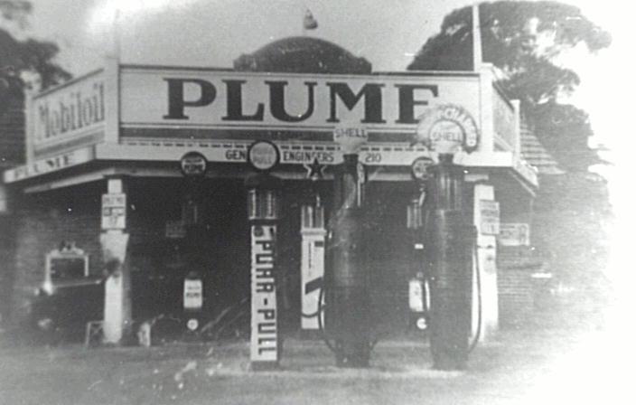 Bullmans Service Station Cnr Kingsway & Highway 1936
